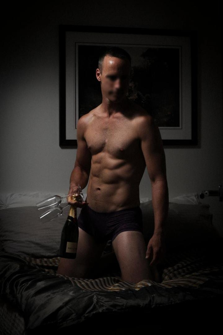 Male escort gay masseur pics, rentboy homemade photo clips
